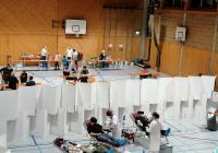 Blutspenden in der Turnhalle